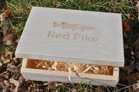 Drewniane pudełko na prezent wędkarski  22x16 cm